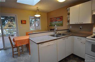 Photo 14: 3167 Ayton Place in VICTORIA: La Glen Lake Strata Duplex Unit for sale (Langford)  : MLS®# 385341