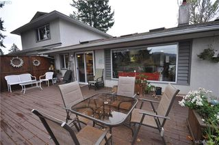 Photo 19: 3167 Ayton Pl in VICTORIA: La Glen Lake Half Duplex for sale (Langford)  : MLS®# 774282