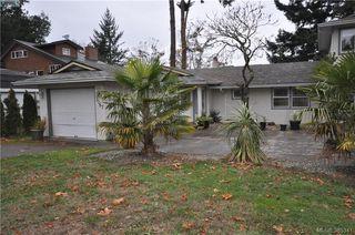 Photo 3: 3167 Ayton Place in VICTORIA: La Glen Lake Strata Duplex Unit for sale (Langford)  : MLS®# 385341