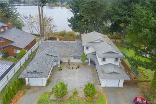 Photo 4: 3167 Ayton Pl in VICTORIA: La Glen Lake Half Duplex for sale (Langford)  : MLS®# 774282