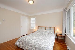 Photo 11: 2428 Dalhousie St in VICTORIA: OB Estevan Single Family Detached for sale (Oak Bay)  : MLS®# 777022