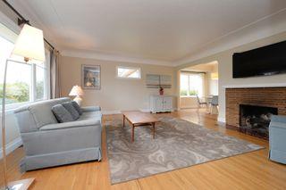 Photo 2: 2428 Dalhousie St in VICTORIA: OB Estevan Single Family Detached for sale (Oak Bay)  : MLS®# 777022