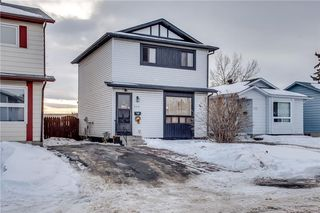 Photo 4: 111 ERIN RIDGE Road SE in Calgary: Erin Woods House for sale : MLS®# C4162823