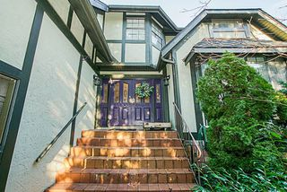 Photo 2: 7845 MEADOWOOD Close in Burnaby: Forest Hills BN House for sale (Burnaby North)  : MLS®# R2240186