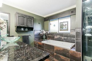 Photo 11: 7845 MEADOWOOD Close in Burnaby: Forest Hills BN House for sale (Burnaby North)  : MLS®# R2240186