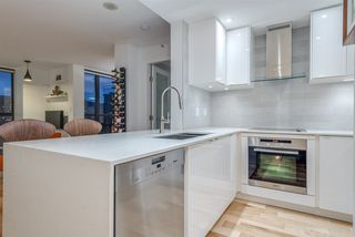 "Photo 14: 1606 1003 PACIFIC Street in Vancouver: West End VW Condo for sale in ""Seastar"" (Vancouver West)  : MLS®# R2269056"