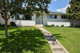 Photo 1: 27 Braden Crescent NW in Calgary: Brentwood House for sale : MLS®# C4191763
