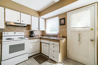 "Photo 4: 9874 128 Street in Surrey: Cedar Hills House for sale in ""Cedar Hills"" (North Surrey)  : MLS®# R2336968"
