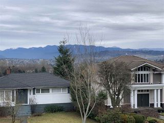 Photo 5: 4214 HAZELWOOD Crescent in Burnaby: Garden Village House for sale (Burnaby South)  : MLS®# R2337640