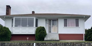 Photo 1: 4214 HAZELWOOD Crescent in Burnaby: Garden Village House for sale (Burnaby South)  : MLS®# R2337640
