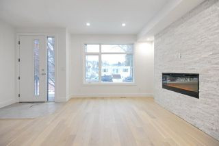 Photo 7: 7611 110 Street in Edmonton: Zone 15 House Half Duplex for sale : MLS®# E4144039