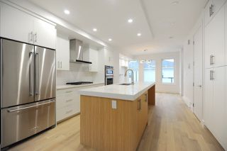 Photo 5: 7611 110 Street in Edmonton: Zone 15 House Half Duplex for sale : MLS®# E4144039