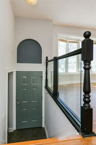 Photo 2: 5928 11 Avenue in Edmonton: Zone 29 House for sale : MLS®# E4147332