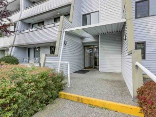 "Photo 4: 311 1341 GEORGE Street: White Rock Condo for sale in ""OCEANVIEW"" (South Surrey White Rock)  : MLS®# R2381098"