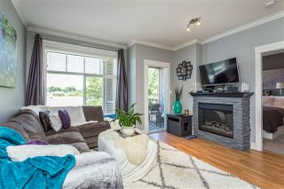 """Photo 8: 401 33338 MAYFAIR Avenue in Abbotsford: Central Abbotsford Condo for sale in """"The Sterling"""" : MLS®# R2384664"""