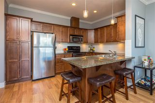 """Photo 4: 401 33338 MAYFAIR Avenue in Abbotsford: Central Abbotsford Condo for sale in """"The Sterling"""" : MLS®# R2384664"""