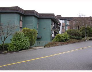 Photo 1: 205 5450 Empire Drive in Capital Hill: Home for sale : MLS®# V682858