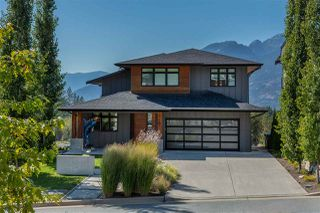 "Main Photo: 40863 THE Crescent in Squamish: University Highlands House for sale in ""University Heights"" : MLS®# R2402383"