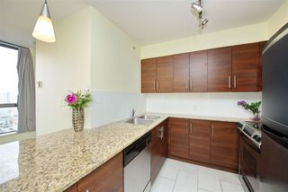 Photo 4: 502 814 ROYAL Avenue in New Westminster: Downtown NW Condo for sale : MLS®# R2441272