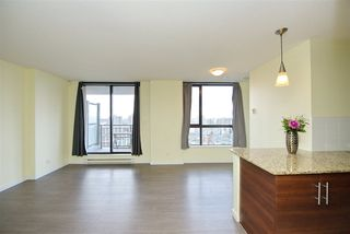 Photo 5: 502 814 ROYAL Avenue in New Westminster: Downtown NW Condo for sale : MLS®# R2441272