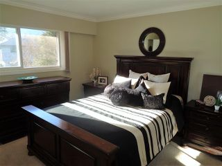 Photo 5: 21043 GREENWOOD Drive in Hope: Hope Kawkawa Lake House for sale : MLS®# R2446407