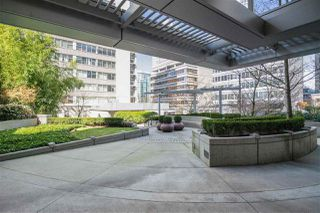 """Photo 17: 1205 1420 W GEORGIA Street in Vancouver: West End VW Condo for sale in """"GEORGE"""" (Vancouver West)  : MLS®# R2478970"""