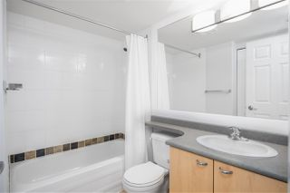 """Photo 7: 1205 1420 W GEORGIA Street in Vancouver: West End VW Condo for sale in """"GEORGE"""" (Vancouver West)  : MLS®# R2478970"""