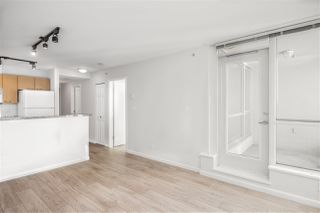 """Photo 3: 1205 1420 W GEORGIA Street in Vancouver: West End VW Condo for sale in """"GEORGE"""" (Vancouver West)  : MLS®# R2478970"""