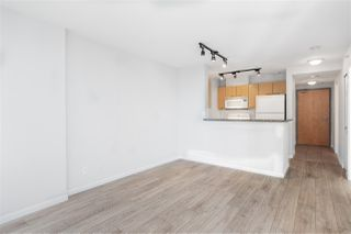 """Photo 1: 1205 1420 W GEORGIA Street in Vancouver: West End VW Condo for sale in """"GEORGE"""" (Vancouver West)  : MLS®# R2478970"""