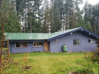 Photo 2: 618 Heriot Bay Rd in : Isl Quadra Island House for sale (Islands)  : MLS®# 860502