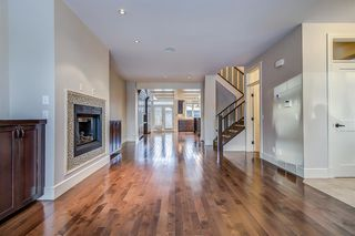 Photo 4: 2134 3 Avenue NW in Calgary: West Hillhurst Semi Detached for sale : MLS®# A1051190