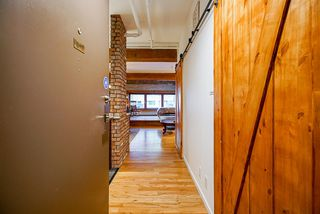 "Photo 3: B1 518 BEATTY Street in Vancouver: Downtown VW Condo for sale in ""Studio 518"" (Vancouver West)  : MLS®# R2528416"