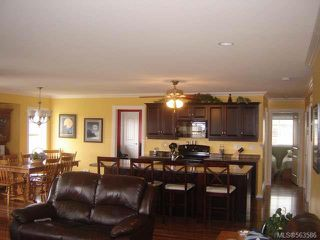 Photo 3: 1311 Clear View Pl in COMOX: CV Comox (Town of) House for sale (Comox Valley)  : MLS®# 563586