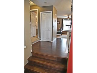 Photo 2: 121 MCKENZIE TOWNE Gate SE in CALGARY: McKenzie Towne Townhouse for sale (Calgary)  : MLS®# C3465958
