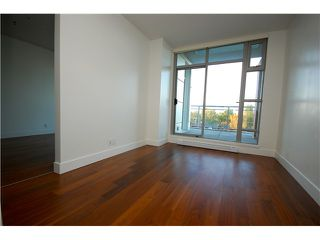 "Photo 7: 405 4375 W 10TH Avenue in Vancouver: Point Grey Condo for sale in ""THE VARSITY"" (Vancouver West)  : MLS®# V916093"