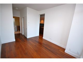 "Photo 8: 405 4375 W 10TH Avenue in Vancouver: Point Grey Condo for sale in ""THE VARSITY"" (Vancouver West)  : MLS®# V916093"