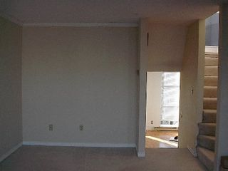 Photo 18: 2 BR in Fairview