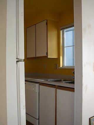 Photo 14: 2 BR in Fairview