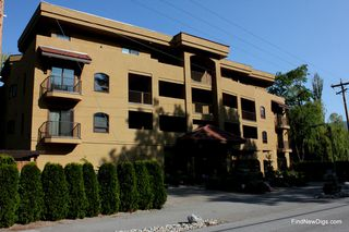 Photo 3: 201 2418 Lakeshore Drive in Osoyoos: Lakeside Drive, Osoyoos Condo for sale