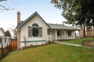 Photo 1: 18055 64TH Avenue in Surrey: Cloverdale BC House for sale (Cloverdale)  : MLS®# F1405345