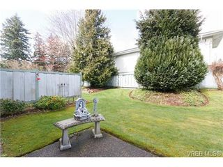 Photo 18: 1 515 Mount View Avenue in VICTORIA: Co Hatley Park Townhouse for sale (Colwood)  : MLS®# 334460