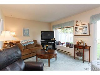 Photo 3: 1 515 Mount View Avenue in VICTORIA: Co Hatley Park Townhouse for sale (Colwood)  : MLS®# 334460