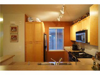 """Photo 9: 208 4238 ALBERT Street in Burnaby: Vancouver Heights Townhouse for sale in """"VILLAGIO"""" (Burnaby North)  : MLS®# V1068687"""