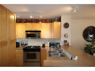 """Photo 11: 208 4238 ALBERT Street in Burnaby: Vancouver Heights Townhouse for sale in """"VILLAGIO"""" (Burnaby North)  : MLS®# V1068687"""
