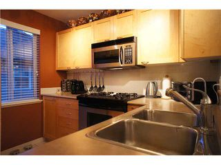 """Photo 10: 208 4238 ALBERT Street in Burnaby: Vancouver Heights Townhouse for sale in """"VILLAGIO"""" (Burnaby North)  : MLS®# V1068687"""