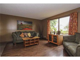 Photo 5: 8 APPLETREE Way SE in Calgary: Applewood Residential Detached Single Family for sale : MLS®# C3638522