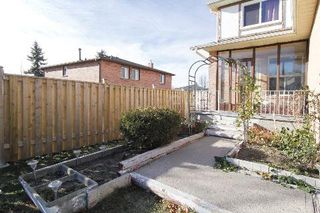 Photo 7: 4 Woodward Crest in Ajax: Central House (2-Storey) for sale : MLS®# E3073701