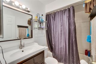 Photo 12: PACIFIC BEACH Condo for sale : 2 bedrooms : 4730 Noyes St #214 in San Diego