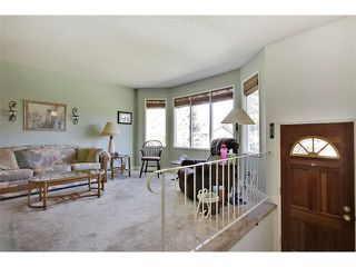 Photo 2: 11303 11 Street SW in Calgary: Southwood House for sale : MLS®# C4013278
