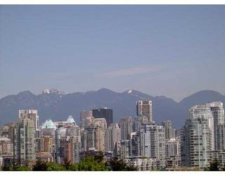 "Photo 1: 204 943 W 8TH AV in Vancouver: Fairview VW Condo for sale in ""SOUTHPORT"" (Vancouver West)  : MLS®# V536722"